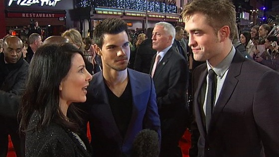 Twilight premiere: Robert Pattinson and Taylor Lautner talking to ITV London&#x27;s Lucrezia Millarini.
