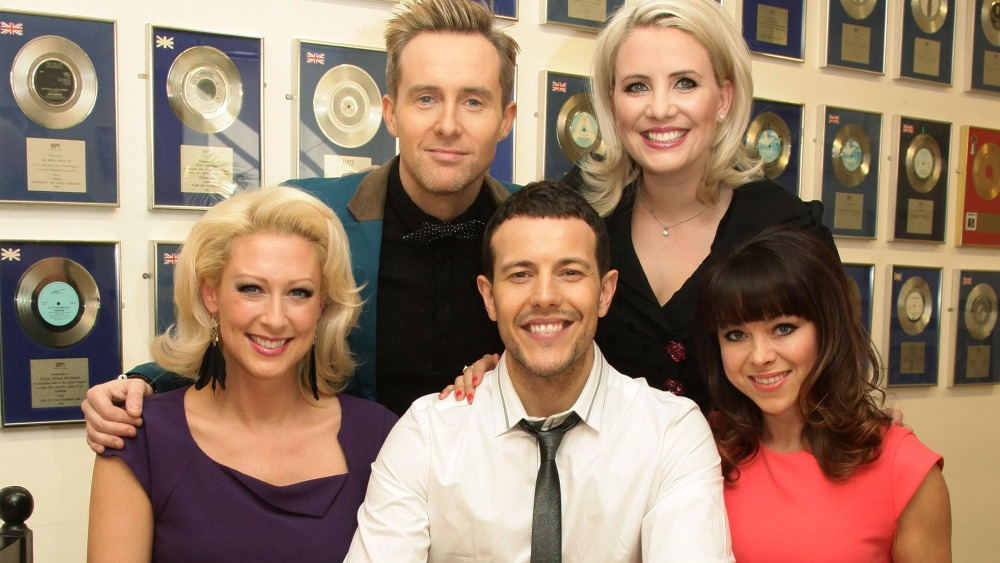 Pop Group Steps To Turn On Yate S Christmas Lights West