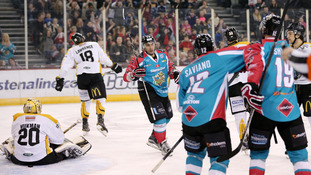 Desmarais hat-trick helps Giants to win over Panthers