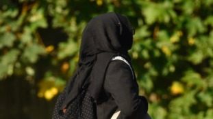 Primary school battle over muslim pupils headscarf ban