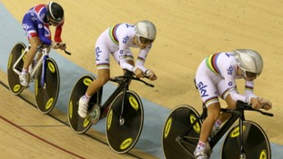 Laura Trott (r),  Danielle King (c) and Elinor Barker (l)