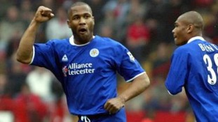 Les Ferdinand celebrates for Leicester City