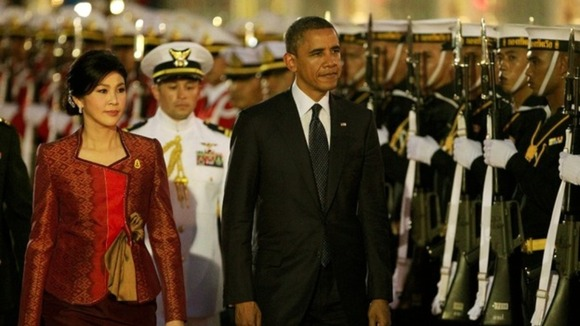 US President Barack Obama and Thai Prime Minister Yingluck Shinawatra at a welcoming ceremony at the Government House in Bangkok.