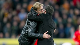 Liverpool manager Jurgen Klopp shakes Hull City manager Marco Silva hand before the final whistle