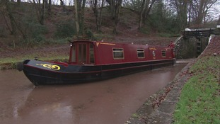monmouthshire and brecon canal boat