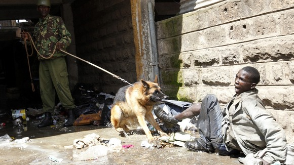 Police attack a man found stealing from ethnic Somali homes in Nairobi