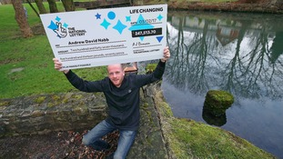 Dad buys Lotto ticket from Bargain Booze and wins £250K