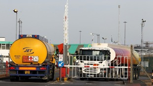 Unite will meet with fuel delivery companies for peace talks.
