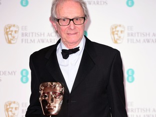 Director Ken Loach with the Bafta.
