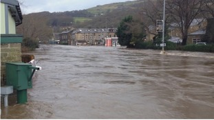 Swollen River Calder floods Burnley Road