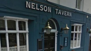 """Dad left toddlers in """"scorching"""" car to go to pub jailed"""