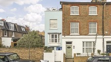 House measuring 7ft wide on the market for £900k