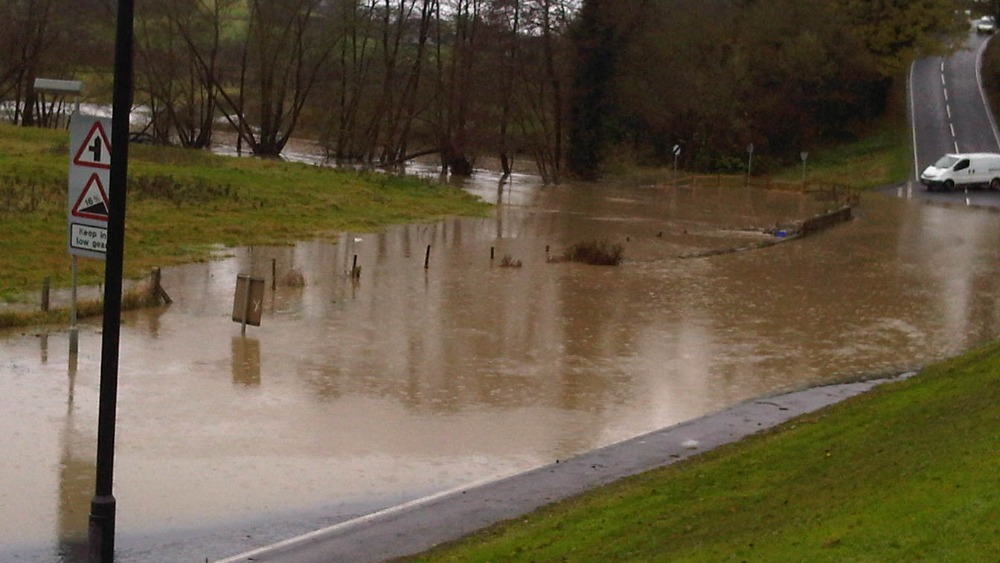 Floods At Pennyquick Hill Near Bath West Country Itv News