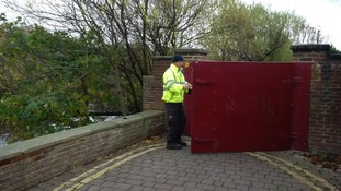 Residents in Yarm urged to find out more about project to replace floodgates in the town