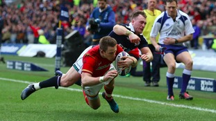 Williams try helps Wales to lead at Murrayfield at half time