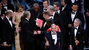 La La Land mistakenly handed best picture Oscar