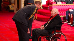 Record breaker Sir Roger Bannister gets special award