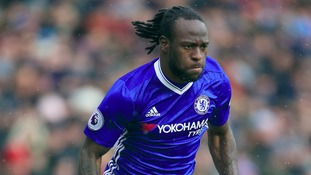 Chelsea star Moses signs contract extension