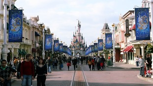 Woman walks free after Disney holiday fraud