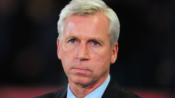 Newcastle United manager Alan Pardew will travel to Southampton with is team tomorrow, November 25.