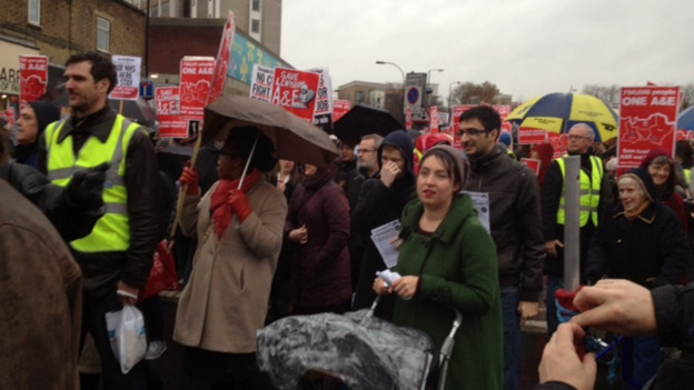 Hundreds gather to protest at closure of Lewisham A&E