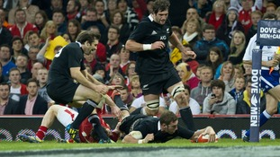 Wales 10 - 33 New Zealand