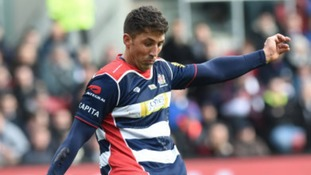 Gavin Henson converting for Bristol Rugby.