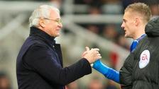 Claudio Ranieri and Jamie Vardy shake hands