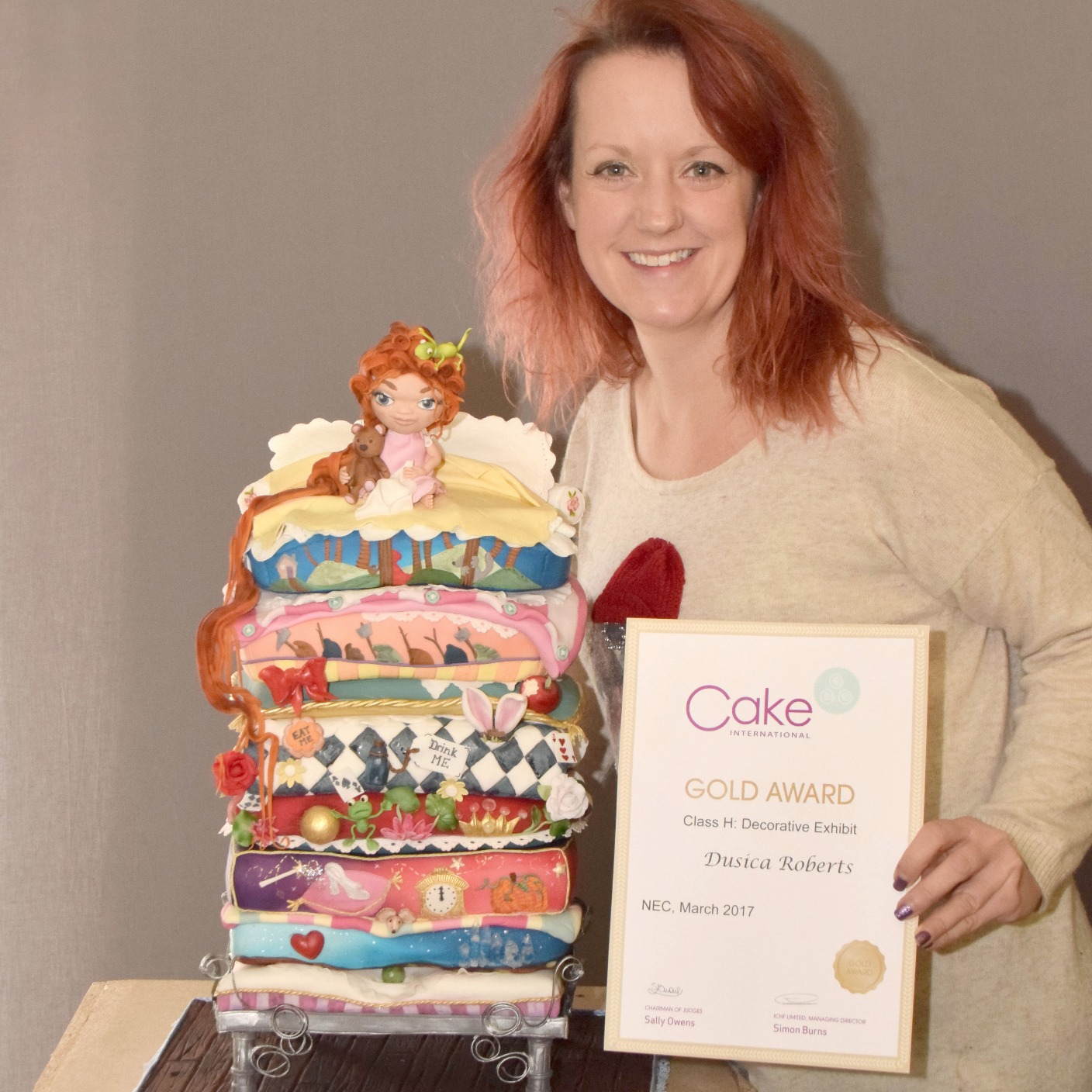 Cake Decorating Competition Tv Show : Local cake artist achieves Gold Award for design West ...