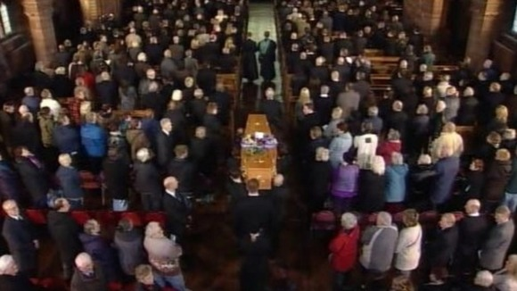 Bill Tarmey&#x27;s coffin is carried into the Albion United Reform Church in Manchester