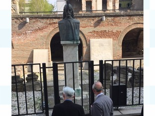 Prince Charles views the statue of Vlad The Impaler.