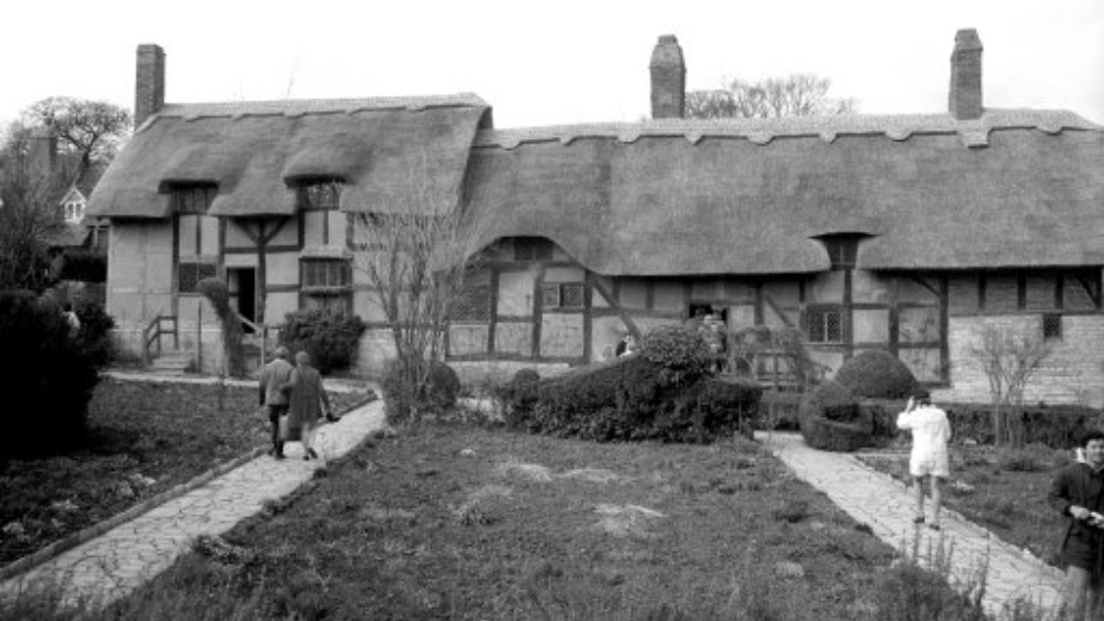 Opposition to building near shakespeare heritage site for Cottage builders near me