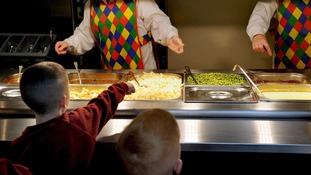 pictures of pupils school dinners