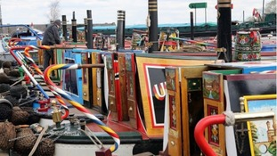 pic of canal boats