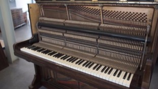 Coroner to decide if stash of sovereigns found in old piano is treasure