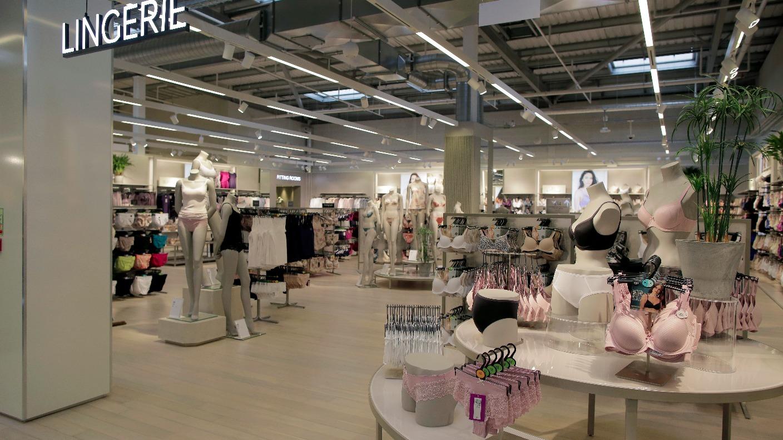Marks spencer to close its store in warrington granada itv news izmirmasajfo