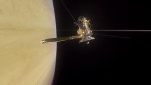 NASA's Cassini probe successfully dives through gap between Saturn and its rings