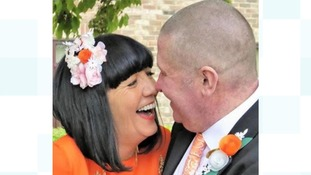 Comedy blogger with terminal cancer gets married