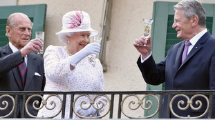 The royals raise a glass at the Queen's birthday party in 2015.