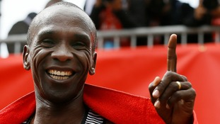 Eliud Kipchoge set his official best marathon time at the 2016 London Marathon.