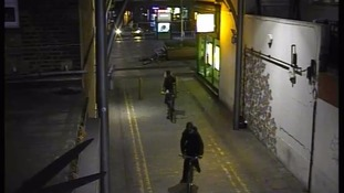 Police release CCTV in hunt for Walthamstow murder suspects