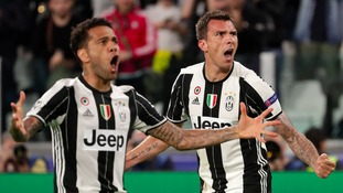Champions League Report: Juventus cruise to final