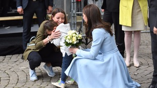 Little boy bursts into tears at meeting Kate
