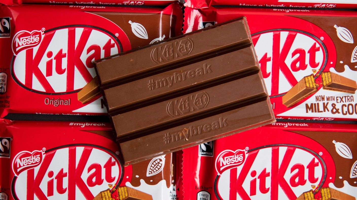 KitKat gets thumbs down in four-finger trademark row - ITV ...