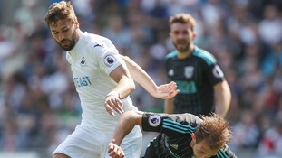 Llorente grabs winner for resurgent Swansea