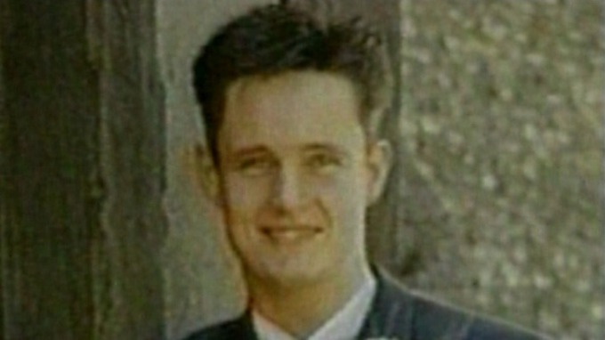 Michael Barrymore demands £2.5 million compensation for 'wrongful arrest' re Stuart Lubbock death - but Essex Police only offer £1  (Daily Mail & Daily Mirror, 21 Dec 2016)   Stream_img