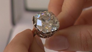 Ring bought for £10 at car boot sale expected to fetch £350,000 at Sotheby's auction