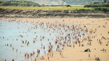 Warning signs on Welsh beaches to help avoid sunburn