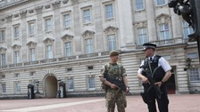 Soldiers to replace armed police at key sites in London