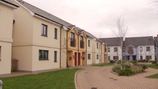 Government cuts back on social housing renovations